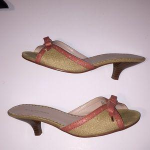EUC coral & tan kitten heels by Isaac Mizrahi 7.5